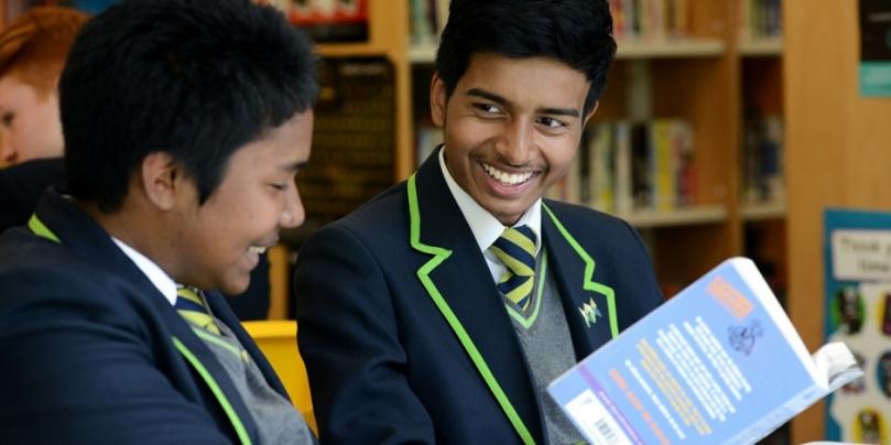 boys-reading